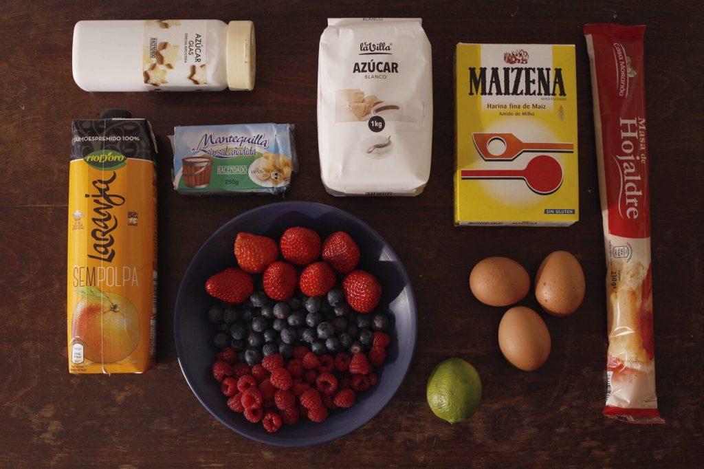 Ingredientes para el hojaldre de frutas del bosque