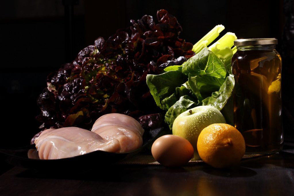 Ingredientes de la ensalada waldorf