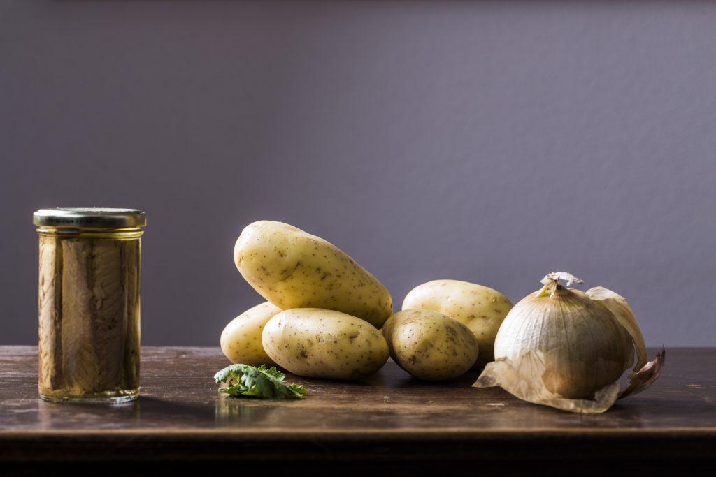 Ingredientes para las papas aliñás